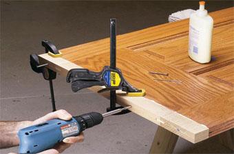 Sửa cửa gỗ tại nhà