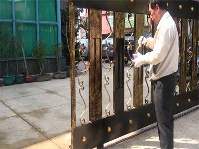 Hướng dẫn cách sơn cửa sắt