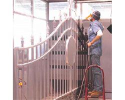 Dịch vụ sơn cửa sắt tại nhà uy tín nhanh chóng