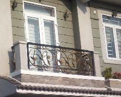 Nhận làm khung sắt cửa sổ – sân thượng – giếng trời giá rẻ