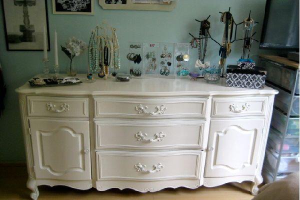 Tự sơn đồ gỗ màu trắng 01