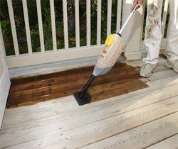 Thợ mộc sơn sàn gỗ tại nhà giá rẻ