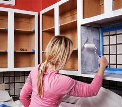 Làm thế nào để sơn tủ bếp nhanh và dễ dàng