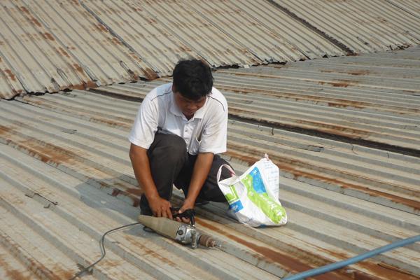 Thợ sửa chữa mái tôn tại hà nội