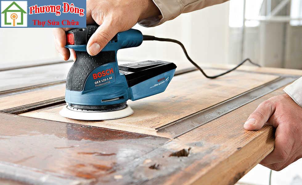 Máy đánh giáp đồ gỗ trước khi sơn